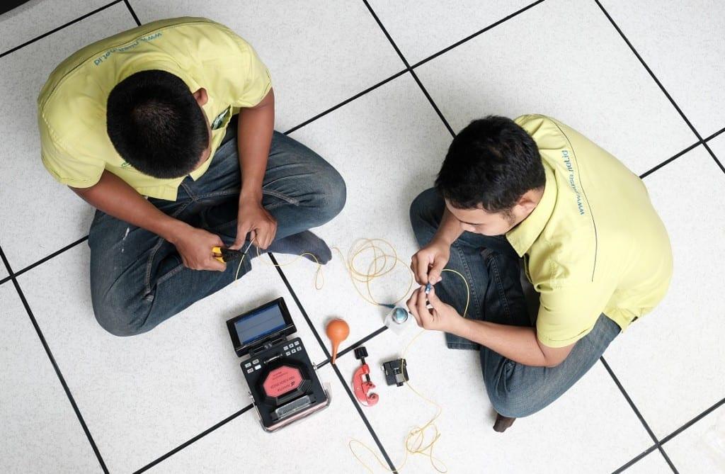 Apakah Karyawan Harus Membayar Biaya Peralatan Kerja Jika Rusak?